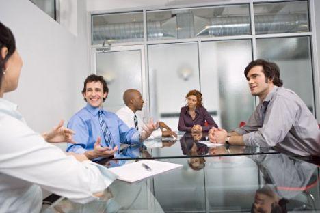 Geleceğinizi doğrudan etkileyen görüşme aşaması işe alım sürecinin en önemli durağı ve görüşmeye hazır bir şekilde giderek olumlu sonuçlar alabilirsiniz.